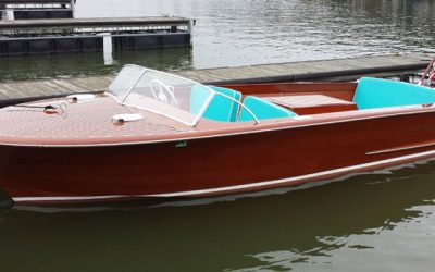 1957 20' CHRIS CRAFT HOLIDAY