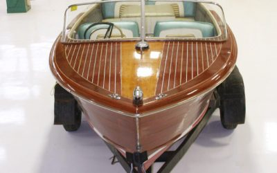 1961 19′ Chris Craft Continental